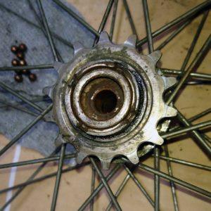 ママチャリ 自転車 後輪ハブ ベアリング